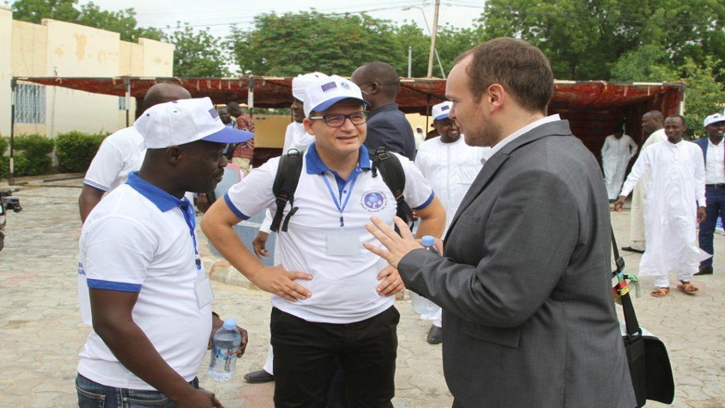 TCHAD, 2019: Le Chef du Projet de la délégation de l'Union Européenne échangeant avec les Experts mobilisés par AECOM